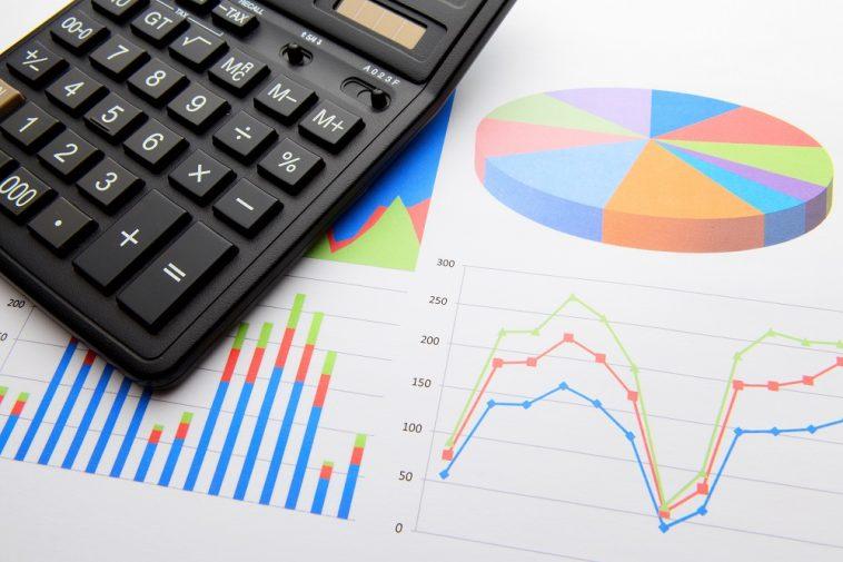 planilha de dados e calculadora