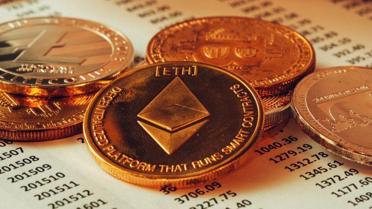 criptomoeda sobre uma folha de investimentos