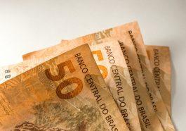 moeda Brasil Notas de dinheiro reais, um monte de notas de 50 reais