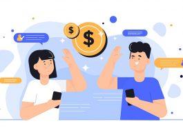casal com celular na mão com moedas na volta simbolizando como ganhar dinheiro online rápido