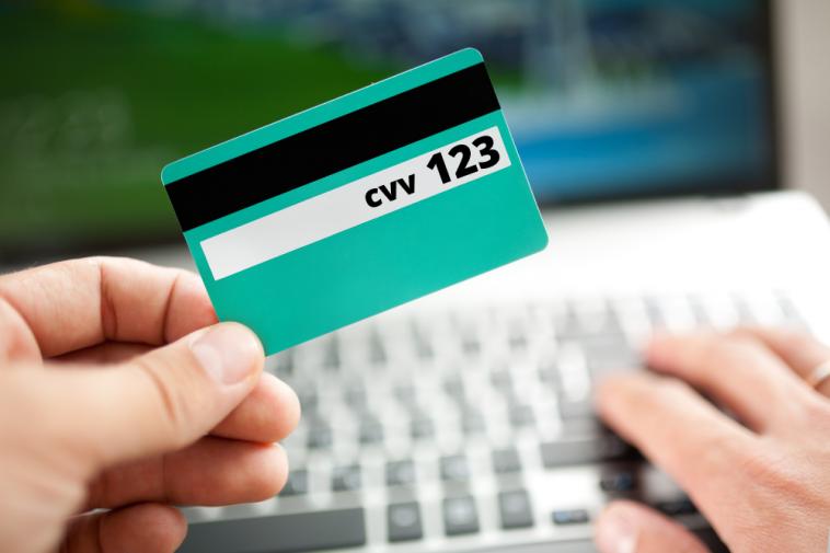 imagem indicando o CVV cartão de crédito e cartão de débito